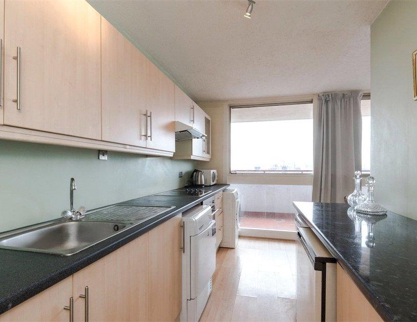 Duplex to rent in Luxborough Street view4