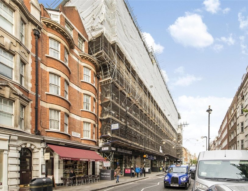 Apartment to rent in Marylebone High Street view4