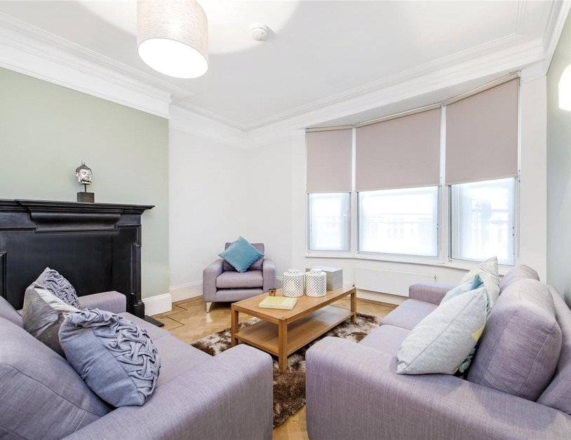 Apartment to rent in Marylebone High Street view12