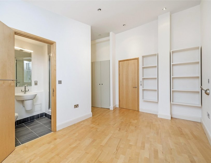 Apartment to rent in Marylebone High Street view7