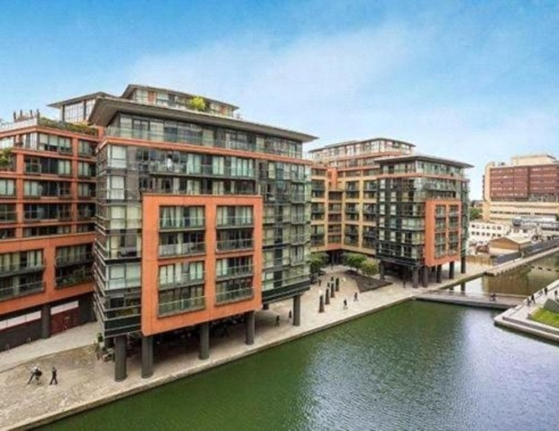 Apartment to rent in Merchant Square East view9