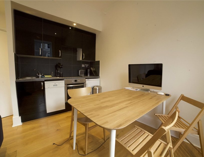 Apartment to rent in Molyneux Street view2