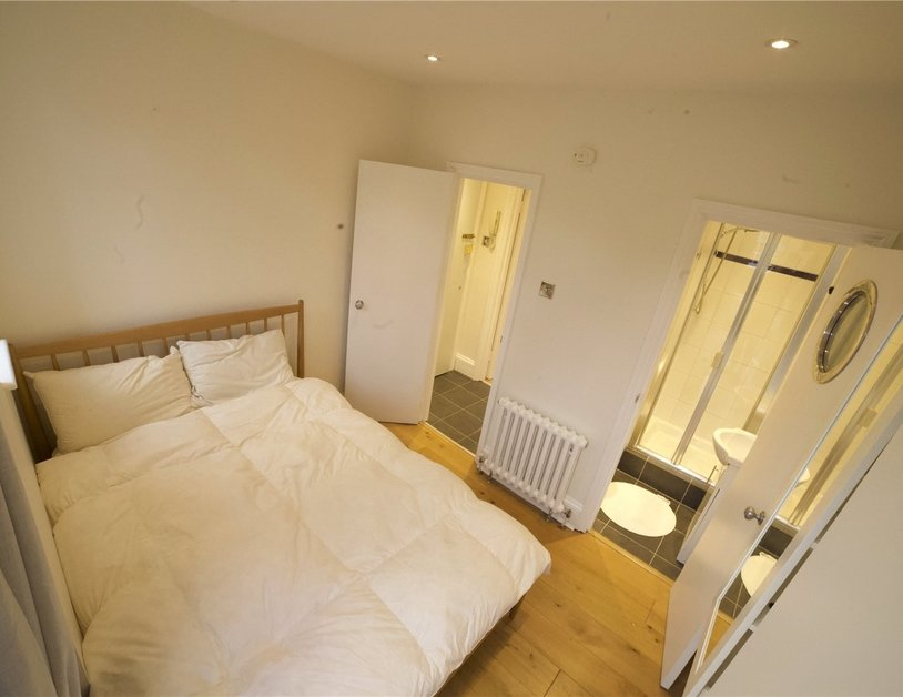 Apartment to rent in Molyneux Street view8