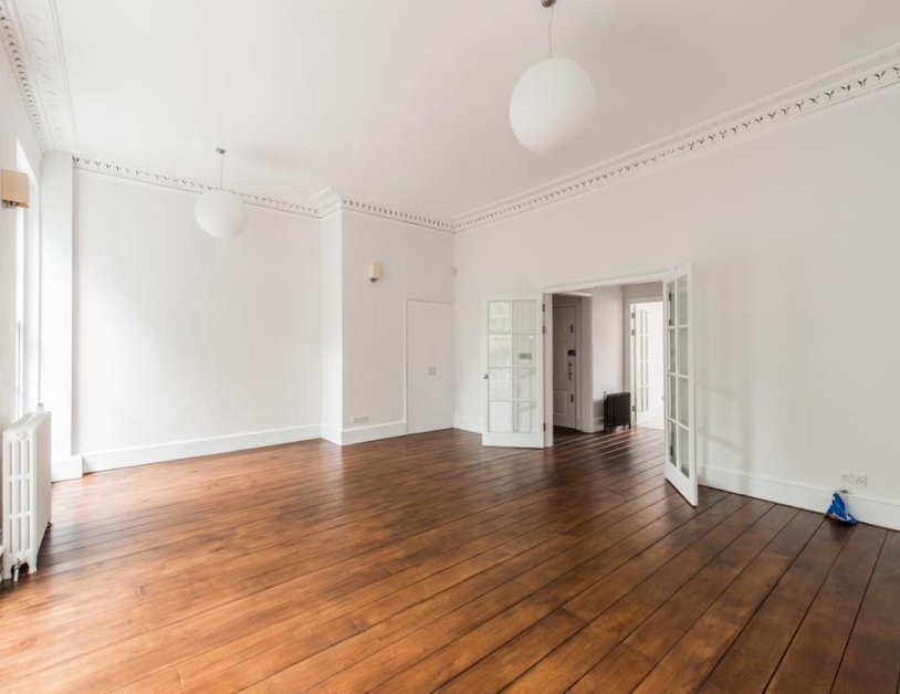 Duplex to rent in Montagu Square view2