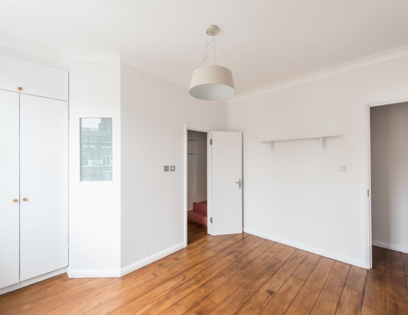 Duplex to rent in Montagu Square view8