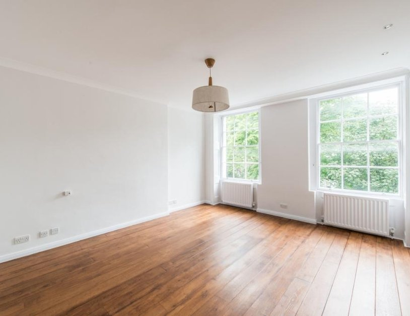 Duplex to rent in Montagu Square view6