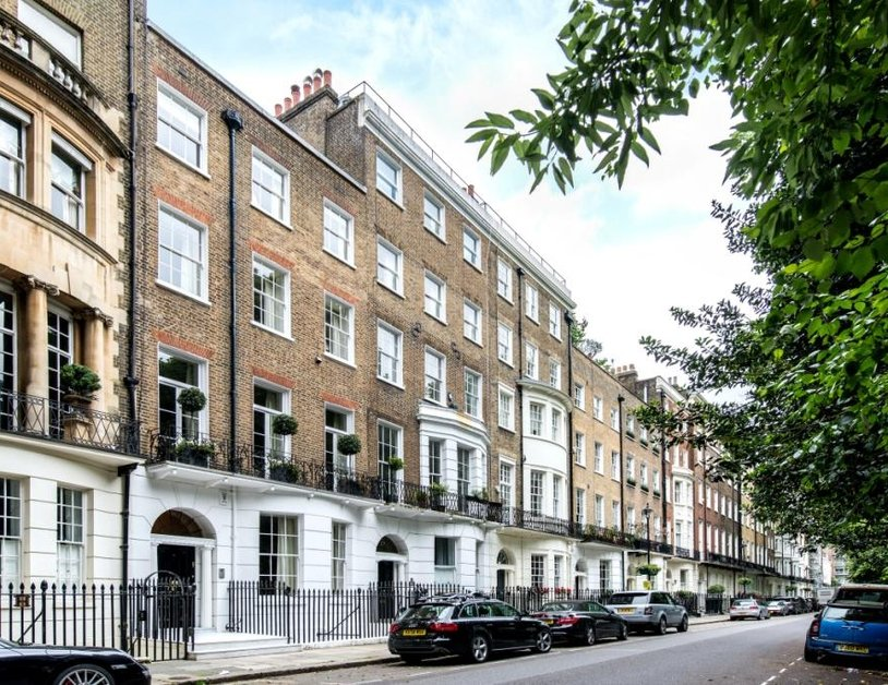 Duplex to rent in Montagu Square view14