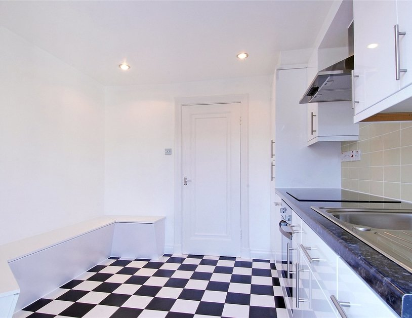 Apartment to rent in New Cavendish Street view5