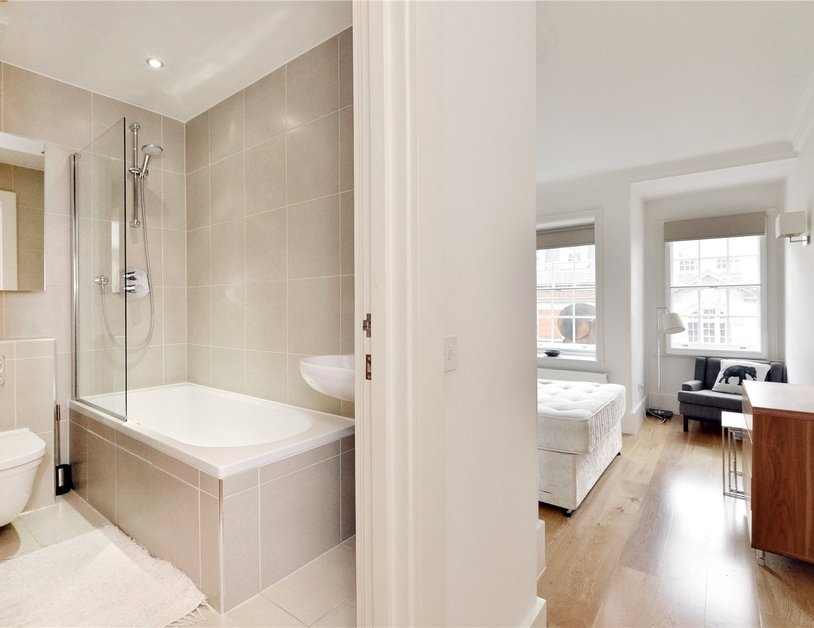 Apartment to rent in North Audley Street view7