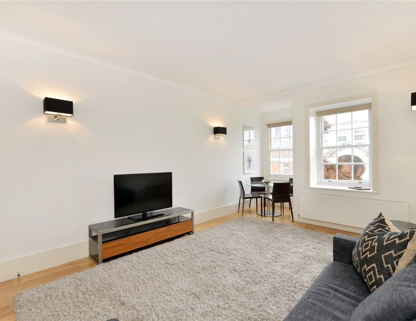 Apartment to rent in North Audley Street view1