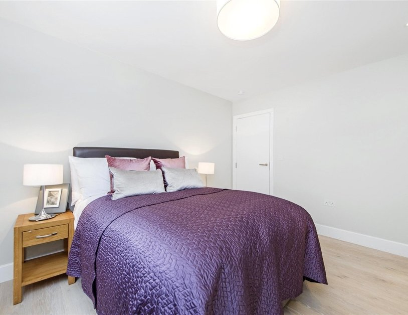 Apartment to rent in Ossington Buildings view10
