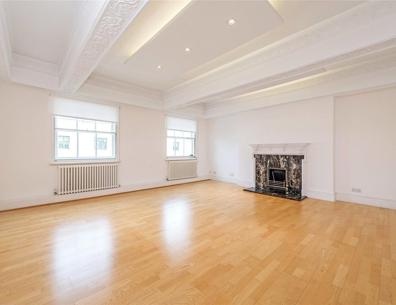 Apartment to rent in Portland Place view1