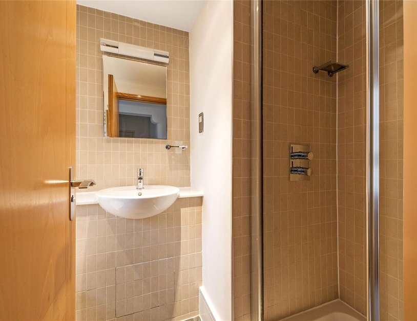 Apartment to rent in Portland Place view10