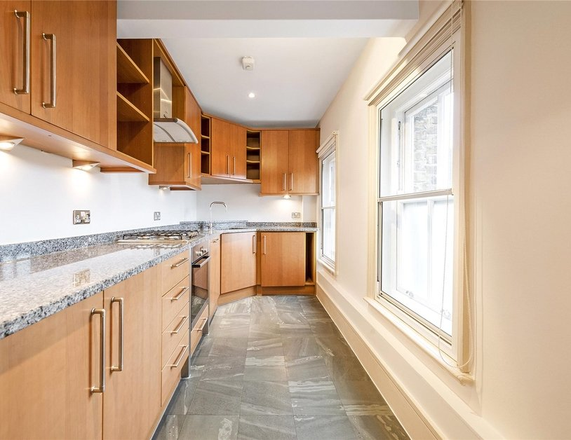 Apartment to rent in Portland Place view2