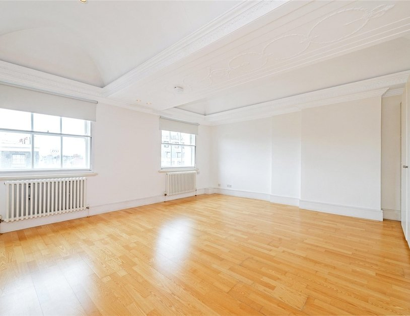 Apartment to rent in Portland Place view3