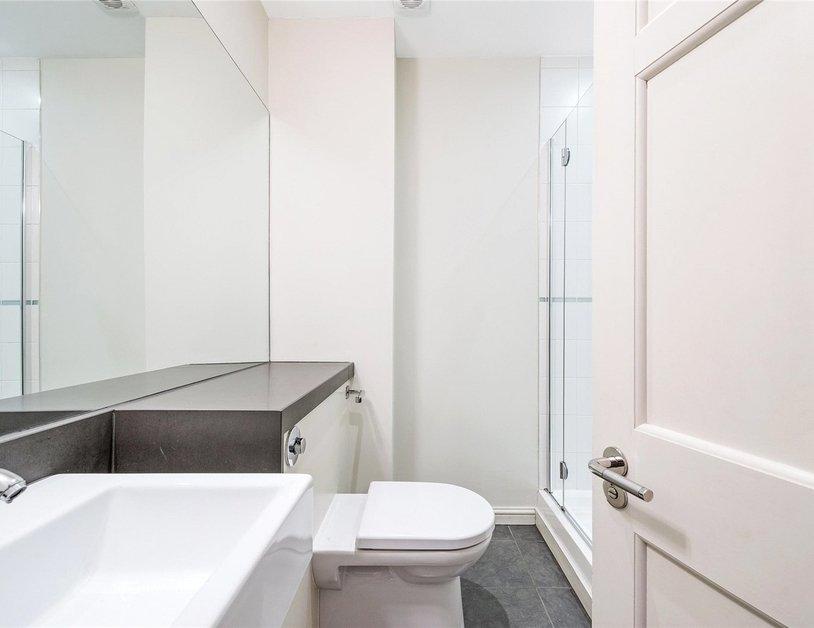 Duplex to rent in Queen Anne Street view7