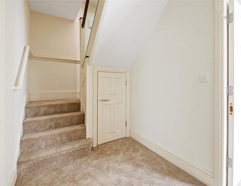 Duplex to rent in Queen Anne Street view11