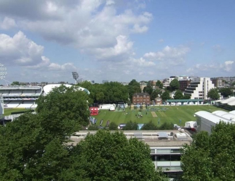 Apartment to rent in St. Johns Wood Road view6