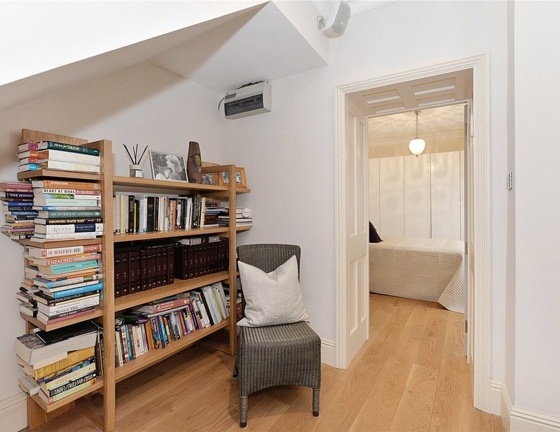 Apartment to rent in Upper Wimpole Street view7
