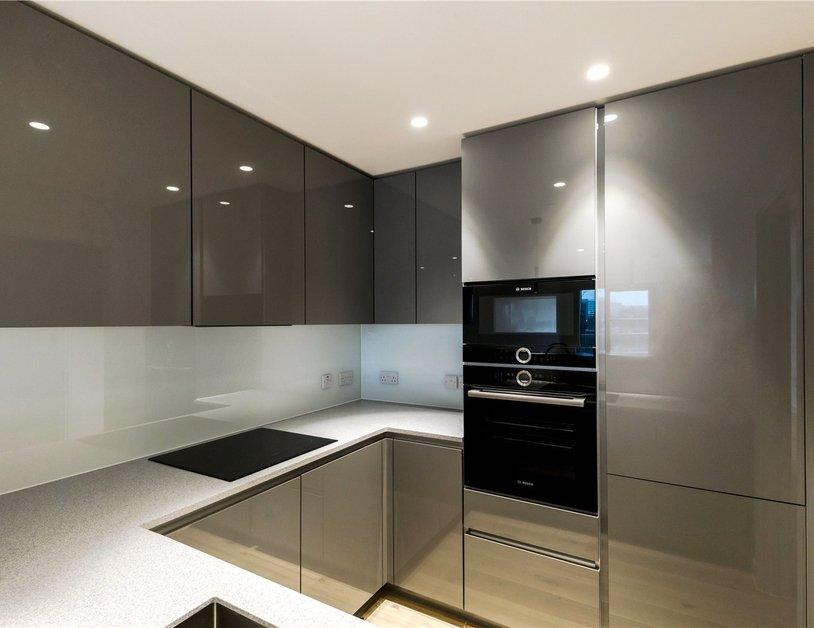 Properties to rent in Vauxhall Bridge Road view10