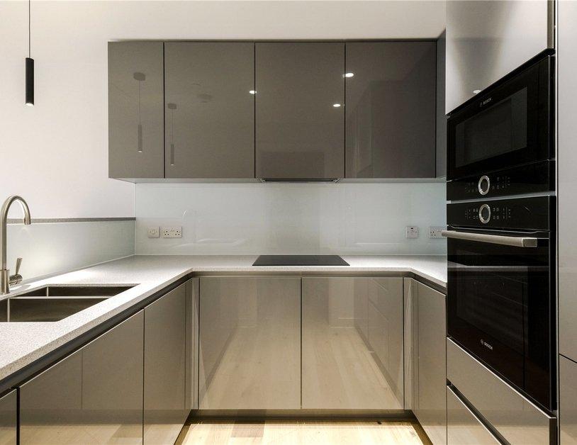 Properties to rent in Vauxhall Bridge Road view3