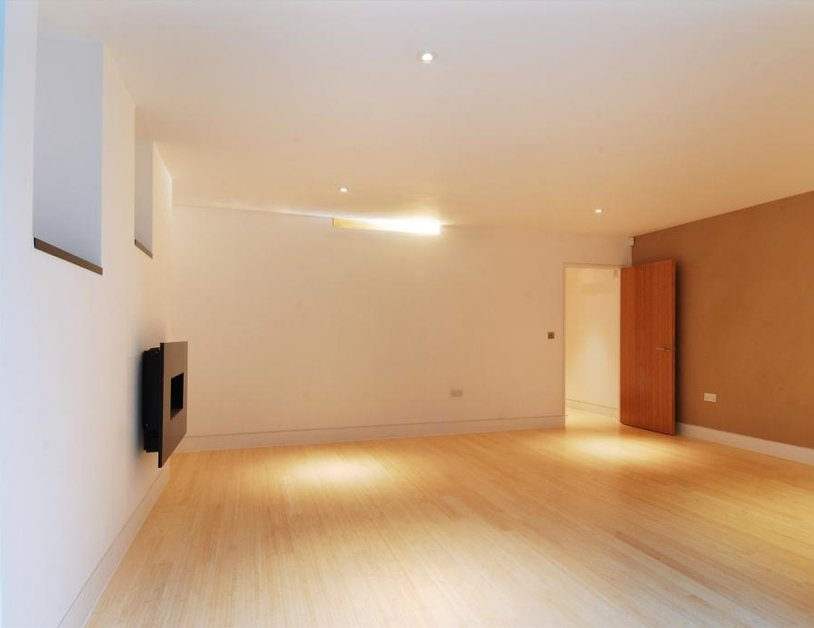 Studio Flat to rent in Weymouth Street view4