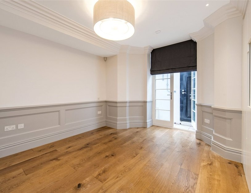 Duplex to rent in Wimpole Street view11