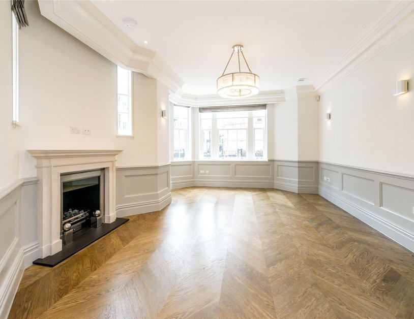 Duplex to rent in Wimpole Street view6