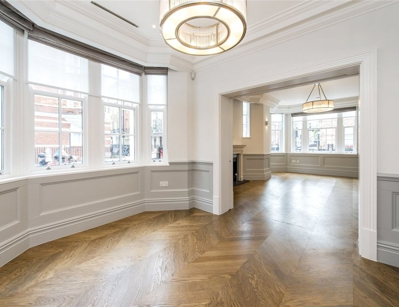 Duplex to rent in Wimpole Street view5