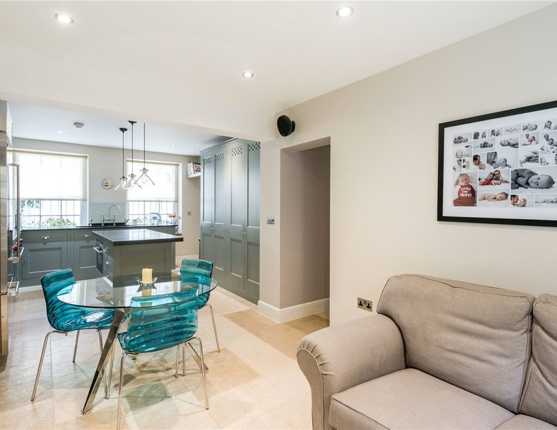 House to rent in Wyndham Street view11