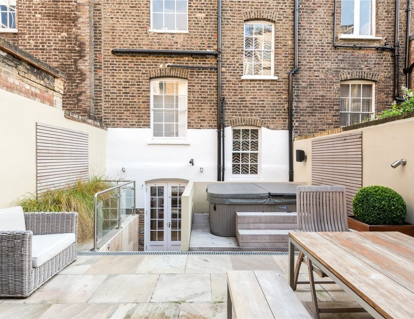 House to rent in Wyndham Street view2