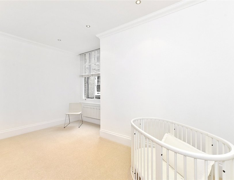 Apartment to rent in York Street view9